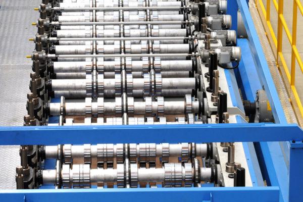 Línea de producción paneles sandwich – Sistemas – Perfiladora