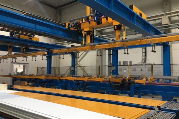 Sistemas y lineas de producción paneles sandwich - First srl
