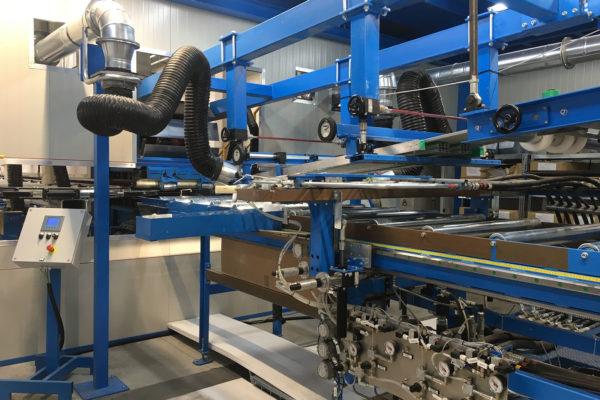 Painel de sanduíche que faz a máquina – Instalações – Unidade de dosagem